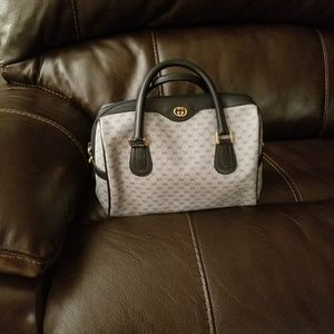 Handbags - Authentic Gucci bag